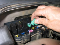 fusereplacement 200x150 replace car fuses car repairs fix it club club car fuse box location at bakdesigns.co